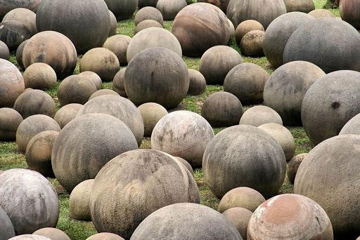 Шары из камня на Коста-Рике